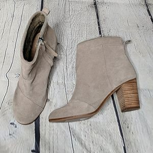Tom's lunata suede booties
